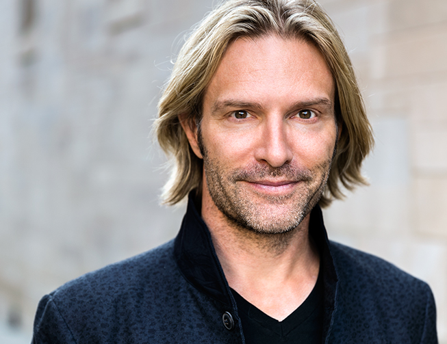 Featured ShowEric Whitacre